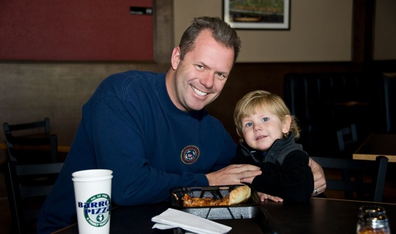 Barro's Pizza Holds Second Annual Barro's Pizza Holiday Hunger Fight